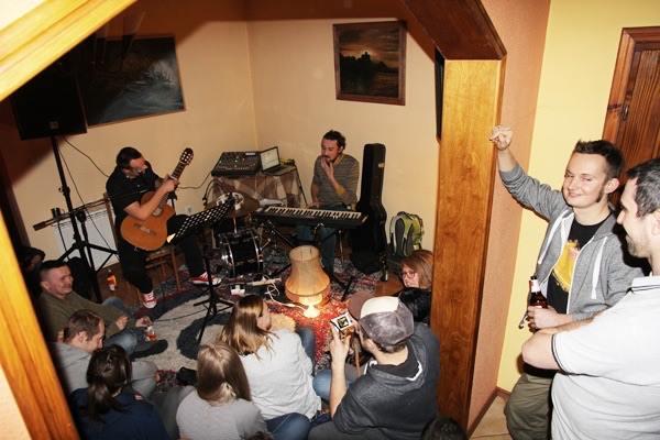 Jacek Stęszewski na domówce - domowe koncerty w Nowym Sączu
