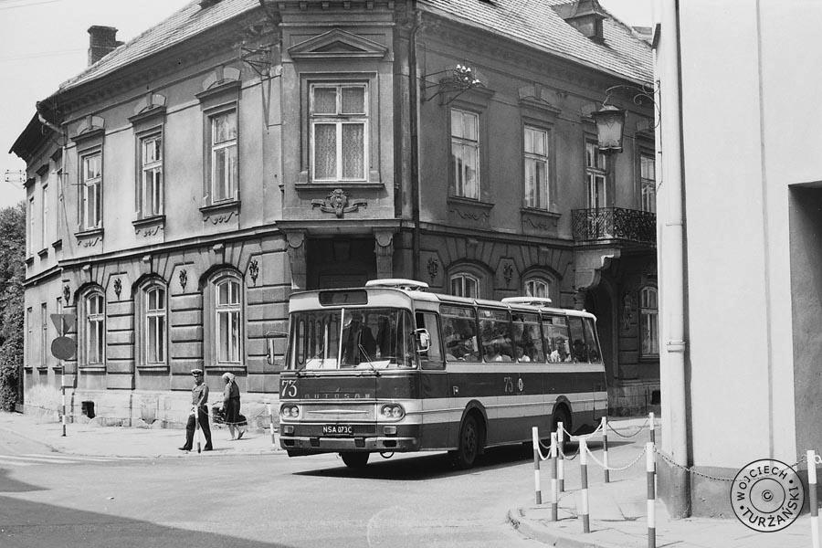czerwony autobus Autosan 1978 Nowy Sącz