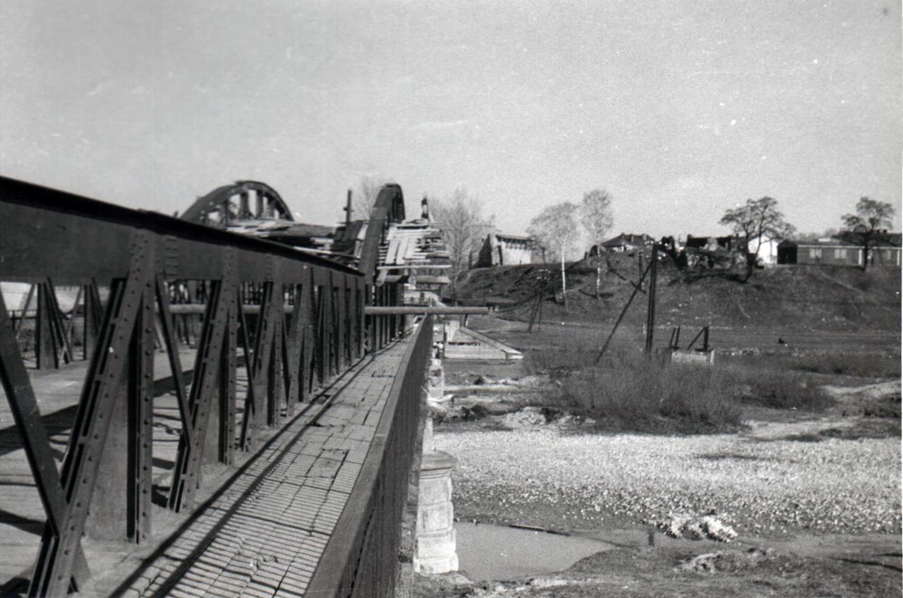 rozbiórka mostu heleńskiego 1959