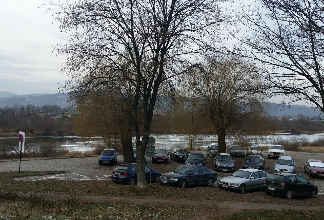 parking Panorama Nowy Sącz