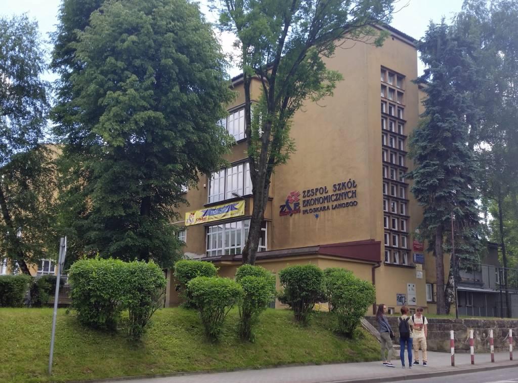 ZSE Nowy Sącz dawne Gimnazjum Kupieckie