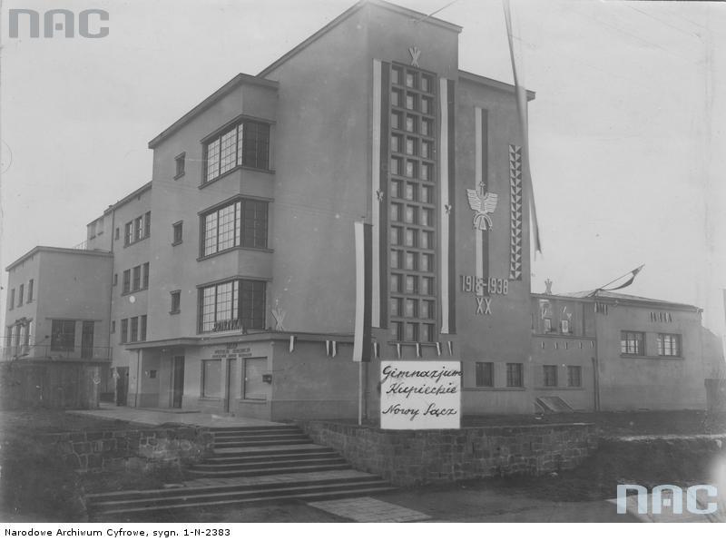 PIC_1-N-2383 Gimnazjum Kupieckie Nowy Sącz