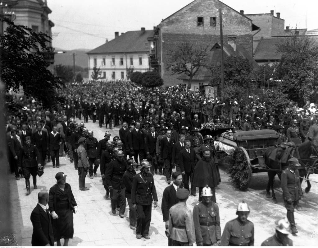 pogrzeb Bronisława Pierackiego Nowy Sącz 1934