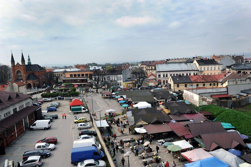 jakie są plany zagospodarowania Rynku Maślanego w Nowym Sączu?
