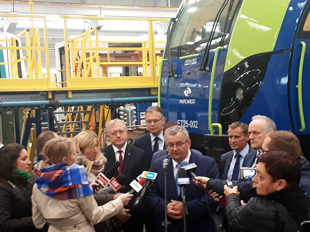 Trzy lokomotywy Newagu kupuje PKP Cargo