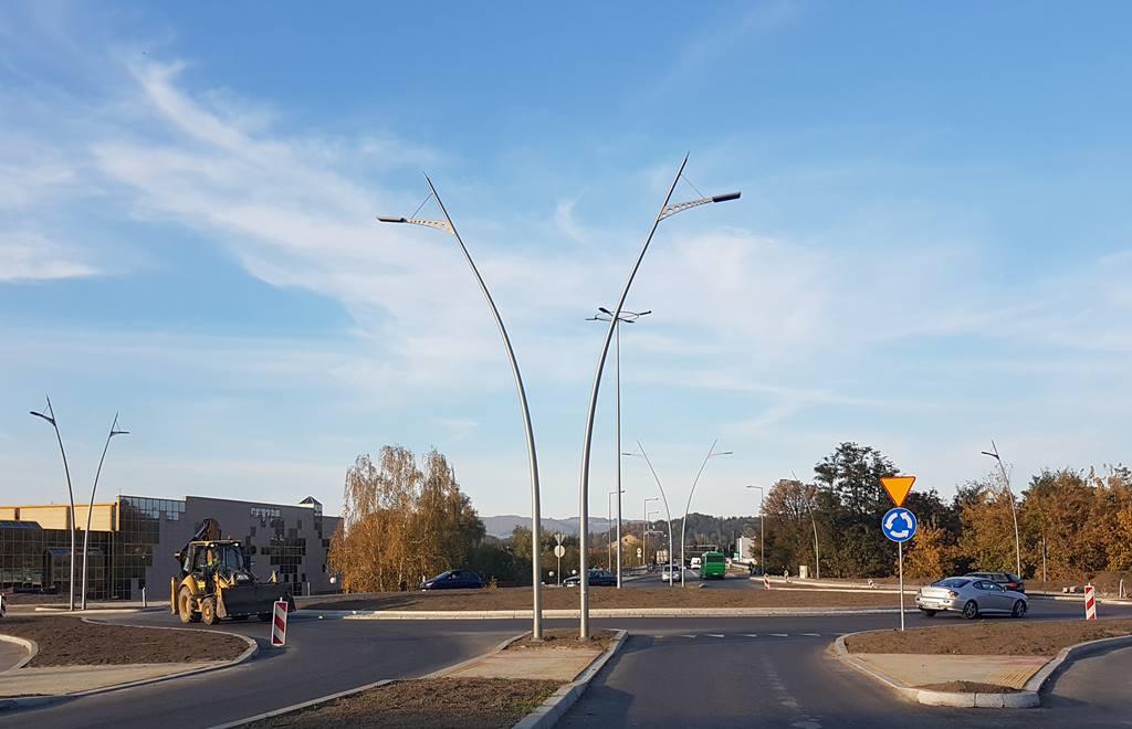 Rondo Księdza Infułata Władysława Lesiaka - taka może być nazwa ronda w Nowym Sączu