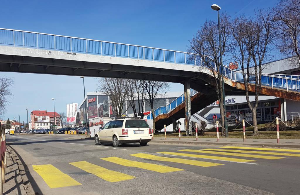 tymczasowe przejście na Nawojowskiej