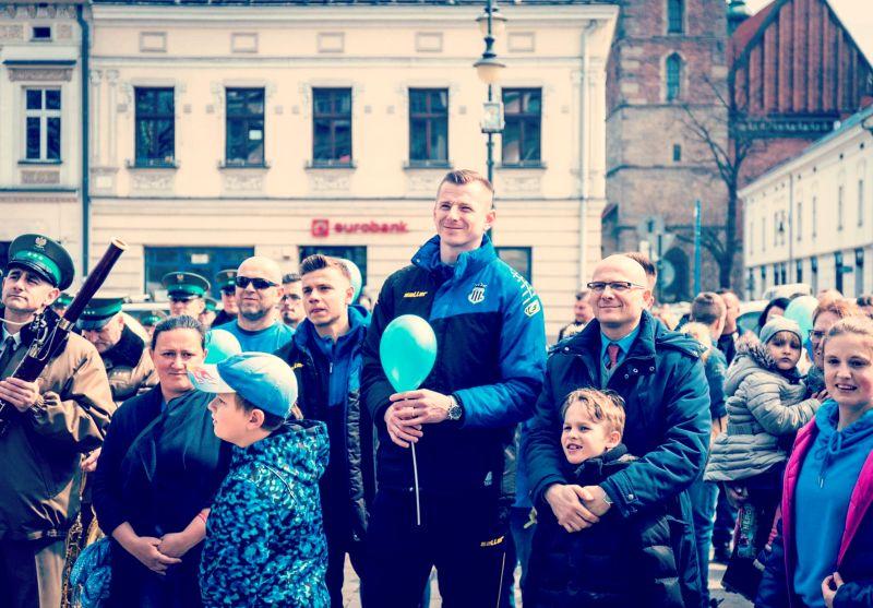 Ulicami Nowego Sącza przeszedł marsz z okazji Światowego Dnia Świadomości o Autyzmie