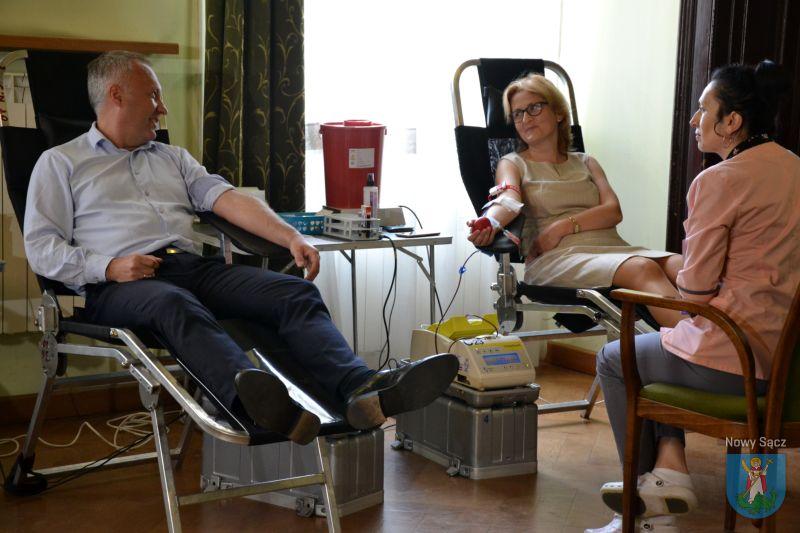 w nowosądeckim Ratuszu trwała akcja honorowego oddawania krwi