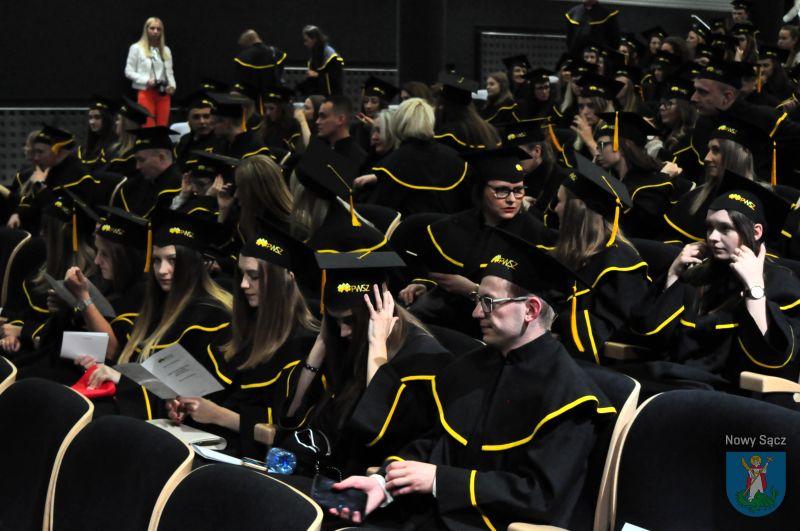 absolwenci Instytutu Ekonomicznego PWSZ