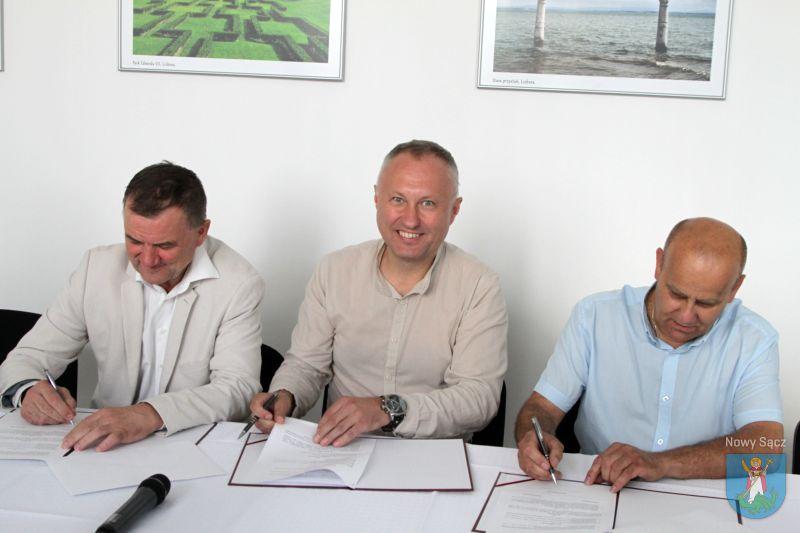 porozumienie w sprawie budowy ścieżki rowerowej wzdłuż wałów przeciwpowodziowych Dunajca