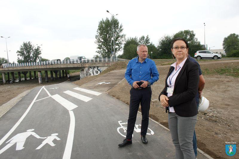 Zakończono pierwszy etap prac przy budowie ścieżki pieszo-biegowo-rowerowej wzdłuż Kamienicy
