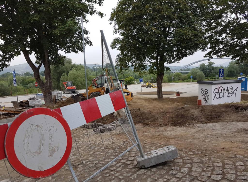 budowa parkingu pod Panoramą